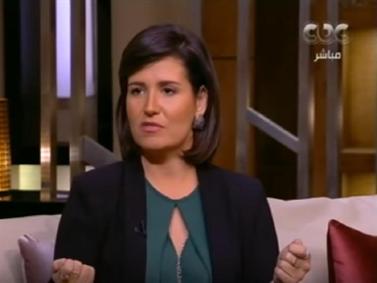 """هنا شيحة: طليقي منعني أسافر مع ولادي عشان يغلس عليا""""-فيديو"""
