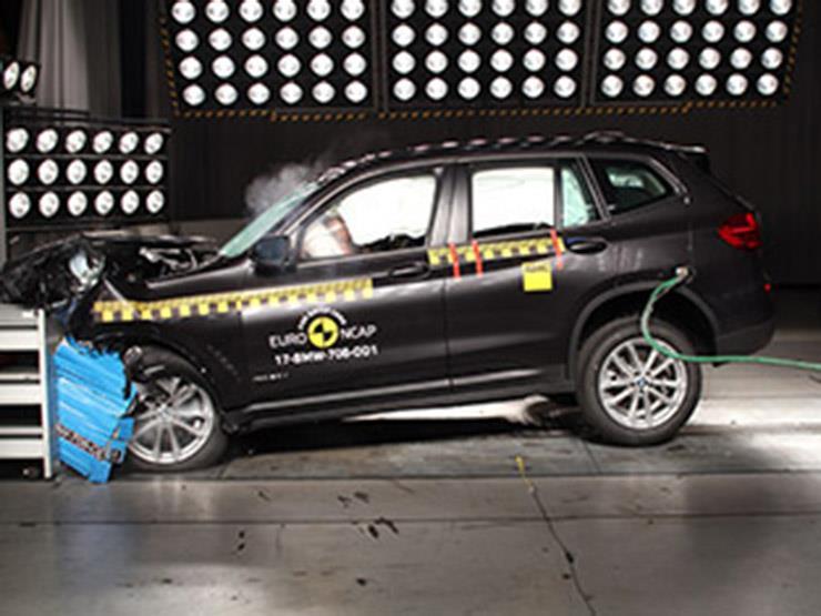 قبل الشراء .. تعرف علي اختبارات تصادم BMW X-3 موديل 2017