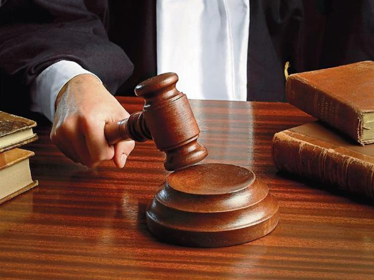 """محاكمة 12 شخصًا أقاموا صلاة """"التراويح"""" أعلى سطح منزل"""
