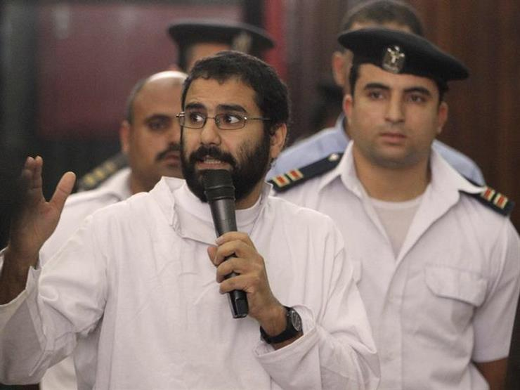 """النقض تؤيد حبس علاء عبد الفتاح 5 سنوات في """"أحداث مجلس الشورى"""""""