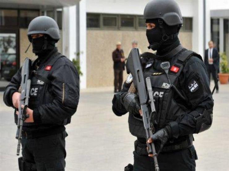 أنباء عن ملاحقة عناصر إرهابية غربي تونس