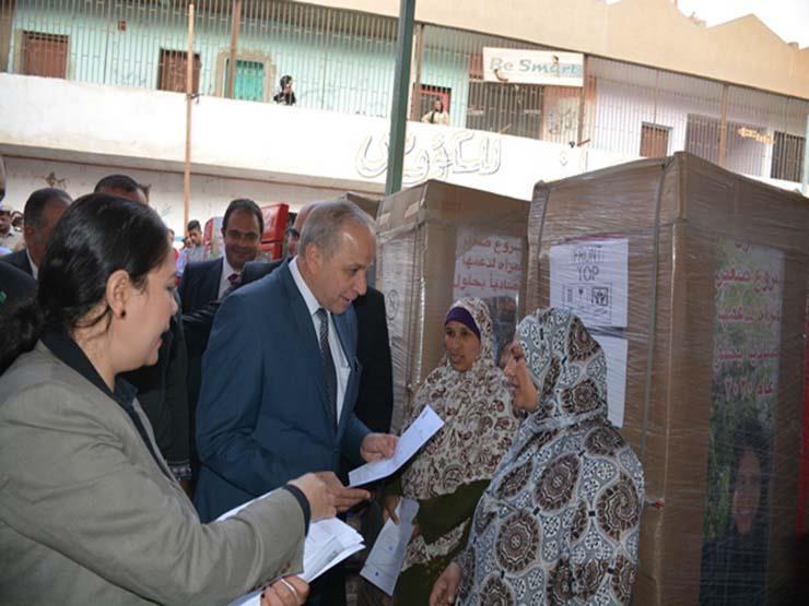 محافظ القليوبية يوزع ثلاجات ضمن مشروع تمكين 5 ملايين سيدة (ص...مصراوى
