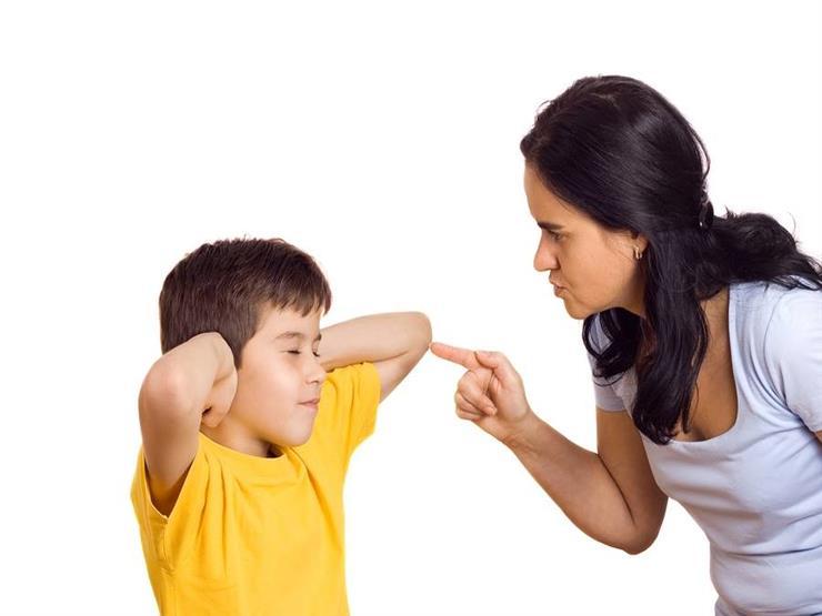 """في هذه السن يستوعب ابنك """"الاستماع للكلام"""""""