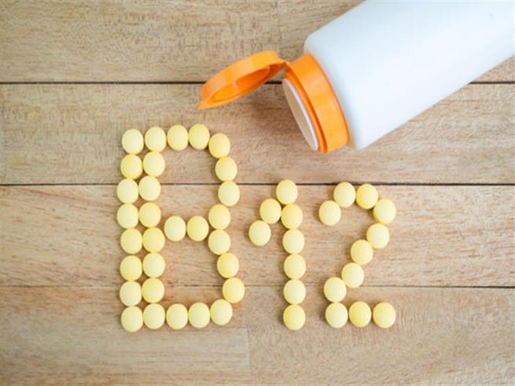 هل تعاني من نقصه؟.. إليك فوائد فيتامين B12 ومصادره من الأطعمة