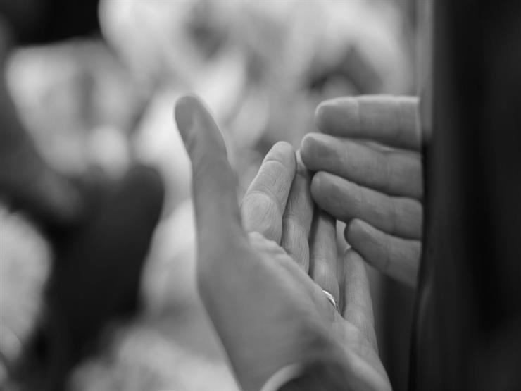 ما هو دعاء الملائكة للمنفق ودعائها على من يبخل؟