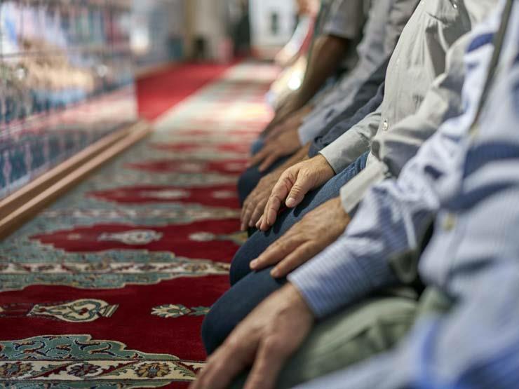 من هو الصحابي الذي جالس النبي 100 مرة وصلى معه أكثر من 2000 صلاة؟ 2017_12_3_15_40_39_59