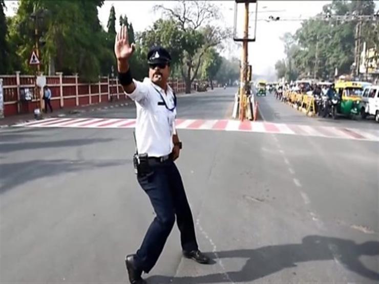شرطي مرور راقص في الهند