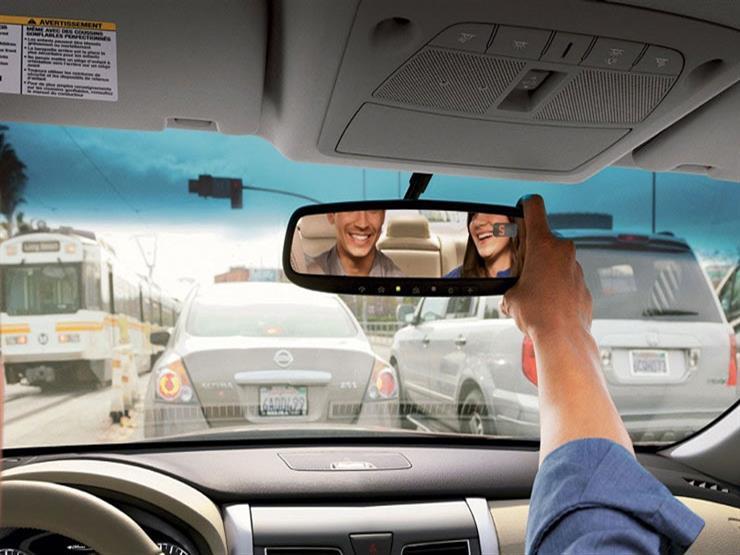 الصحة العالمية توضح الطريقة الصحيحة لضبط مرايا السيارة.. تعرف عليها