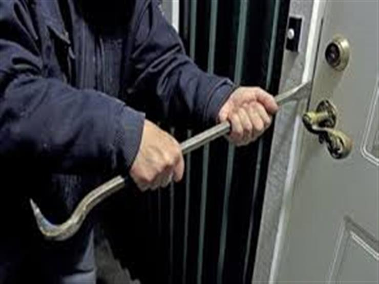 """مباحث القاهرة تكشف غموض سرقة 26 شقة في البساتين.. """"كوافيرة"""" تتزعم العصابة"""