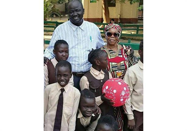 """جبرائيل.. حكاية مدرّس سوداني قُتل بين طلابه على يد """"موّان""""  -(صور)"""