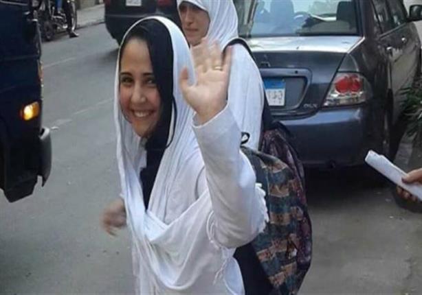 تأجيل محاكمة آية حجازي وآخرين بتهمة الإتجار بالبشر للغد