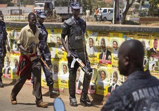 الشرطة الأوغندية تحتجز عددًا من الأشخاص على خلفية اختطاف سائحة أمريكية