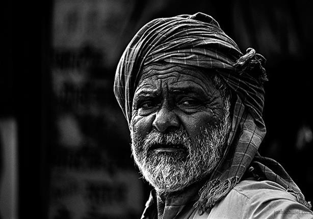 اشتكى الفقراء لرسول الله من ضيق الحال.. فشاهد بما نصحهم