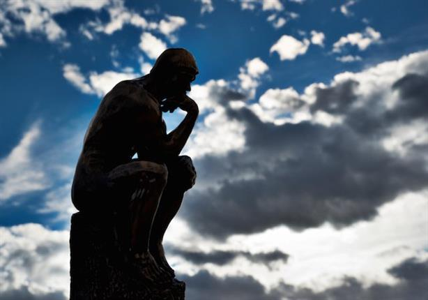 الدكتور مصطفى محمود يفسر لماذا يترك الشباب الدين؟