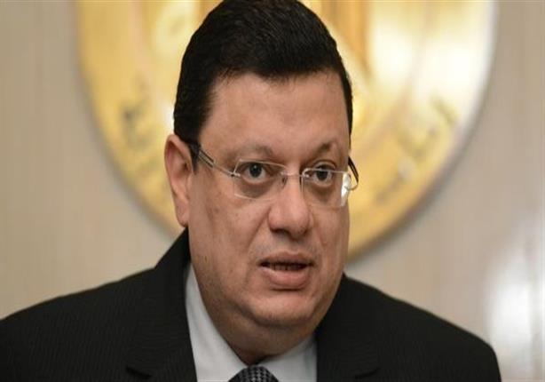 ياسر علي يغادر نيابة أمن الدولة إلى منزله