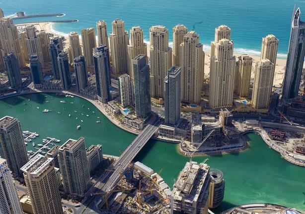 دبي تطلق برنامجاً لإسعاد الموظفين وأسرهم.. تعرف على تفاصيله