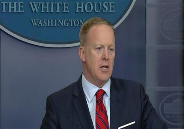 المتحدث باسم البيت الأبيض يثير غضبًا بتصريح عن هتلر والأسلحة الكيماوية