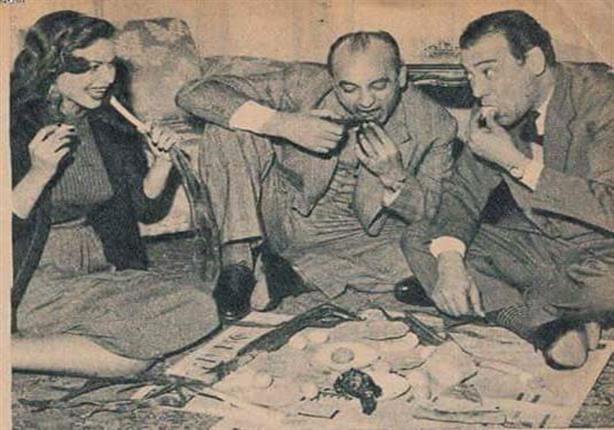 محمود المليجي ومحسن سرحان وكيتي في شم النسيم