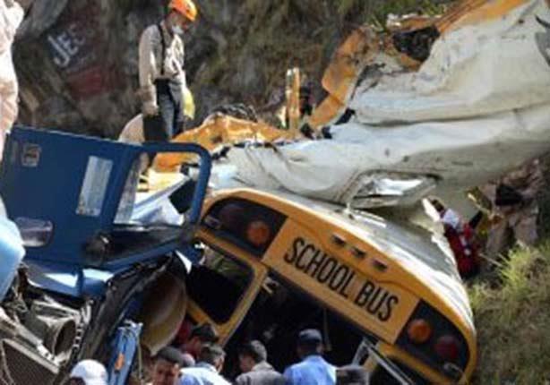 مصرع 20 طفلا في جنوب أفريقيا جراء تصادم حافلة وشاحنة