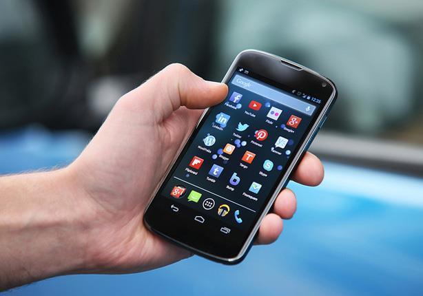 محكمة إيطالية تقر بوجود صلة بين السرطان والهواتف المحمولة