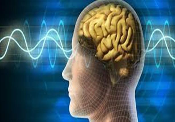 5 طرق تجنبك الشعور بالكهرباء عند ملامسة الأشخاص (إنفوجراف)