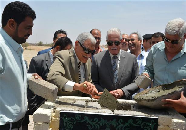 """""""فودة"""" يضع حجر أساس حلقة السمك بمدينة طور سيناء"""