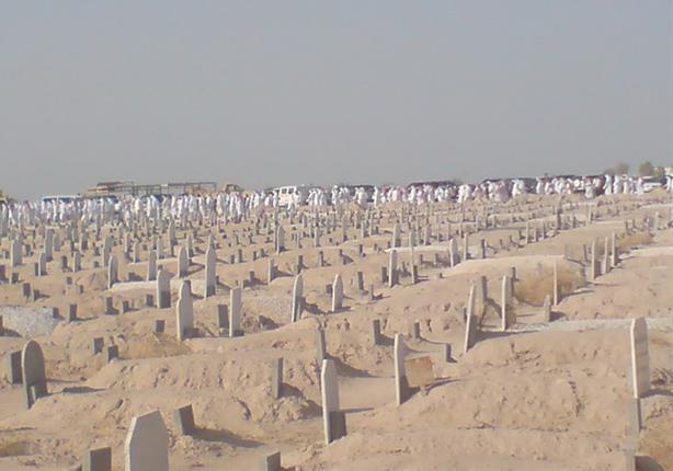 بالفيديو- حشود كويتية في جنازة شاب مصري.. والسبب