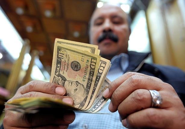 عامر يعلن انتهاء عهد أزمات الدولار.. فماذا تقول الأرقام؟