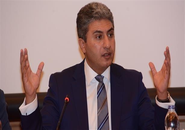 وزير الطيران يصل مقر تأبين ضحايا الطائرة المنكوبة