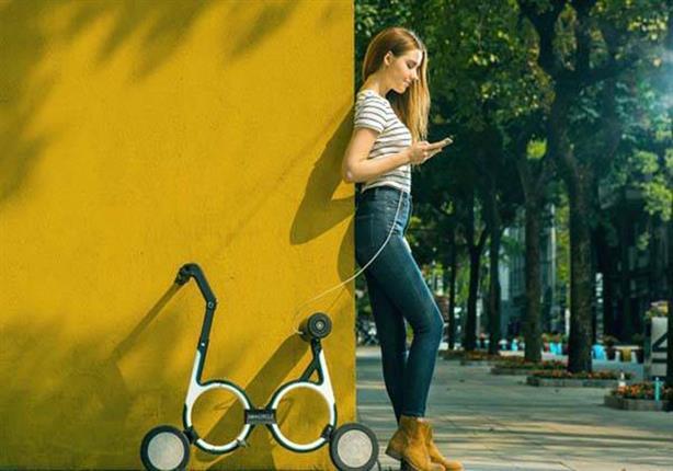 """""""سماسيركل"""" دراجة كهربائية قابلة للطي والحمل على الظهر.. فيديو وصور"""