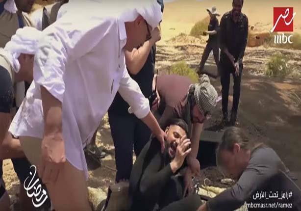 """رد فعل غريب من محمود حميدة على """"سحلية رامز جلال"""""""