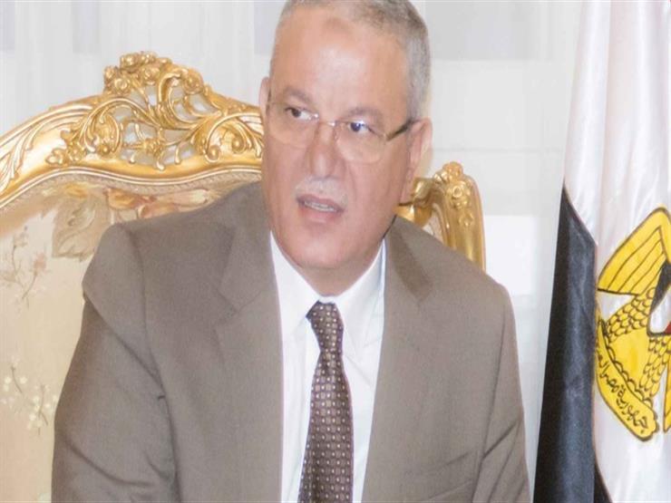 محافظ المنيا يتابع أعمال غرفة الأزمات والطوارئ للحادث الإرهابي