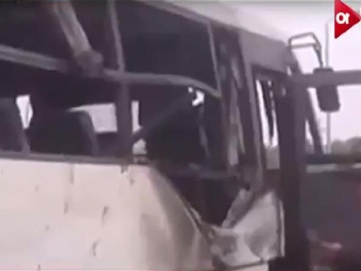 اللقطات الأولى من موقع الهجوم الإرهابي على أتوبيس للأقباط بالمنيا