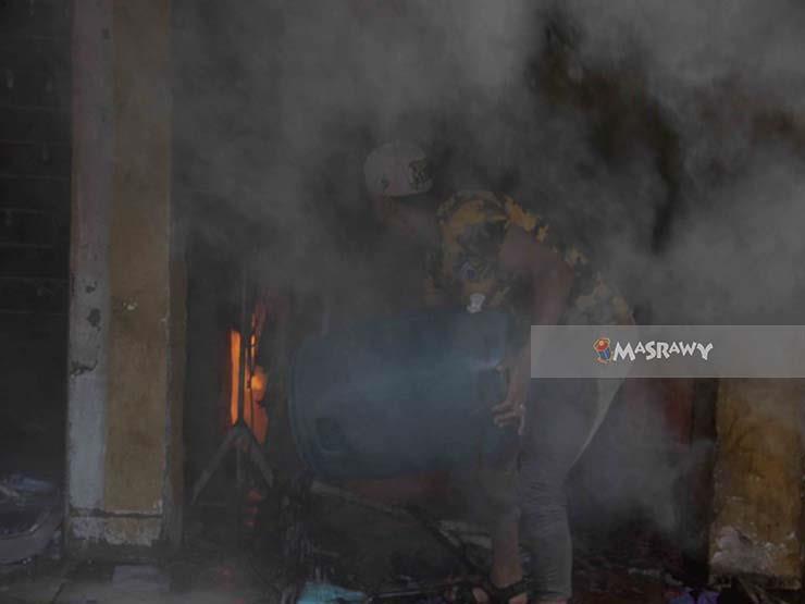 "بالفيديو- ""خراب ديار"".. حريق يلتهم سوق إمبابة"