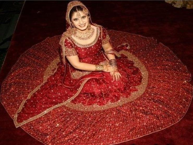 لهذا السبب فساتين الزفاف في الهند حمراء اللون