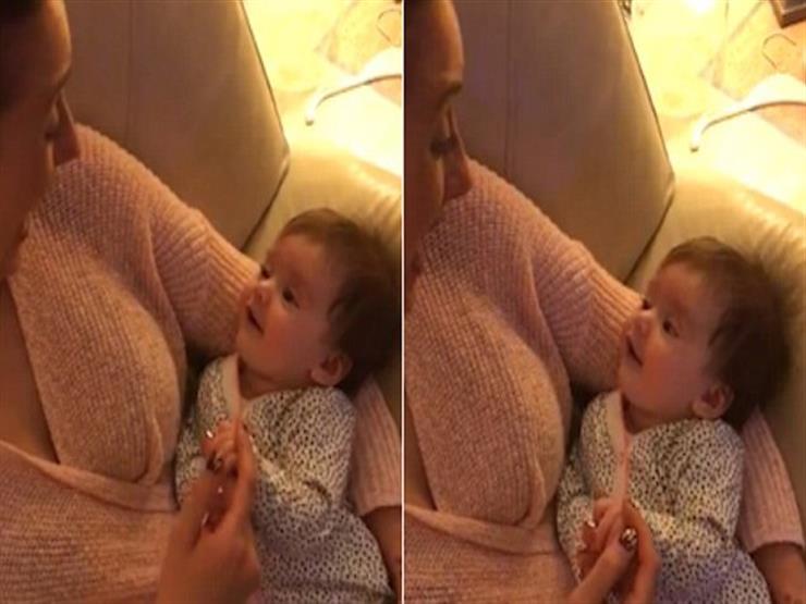بالفيديو- طفلة عمرها 13 أسبوع تصدم والدتها بعد تردديها كلمة