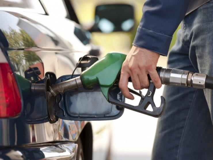 لماذا يُنصح بعدم ملء خزان الوقود حتى آخره في الصيف؟