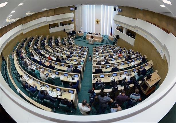 برلماني روسي: العلاقات بين موسكو وواشنطن لن تتقدم قريبًا