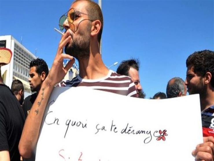 السجن لتونسي جاهر بالتدخين في نهار رمضان