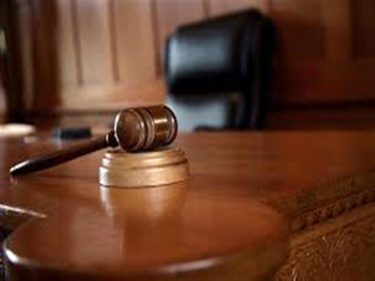 """تأجيل محاكمة قاضيين بتهمة الاستيلاء على """"أرض جمعية المستشارين"""" لـ8 يوليو"""