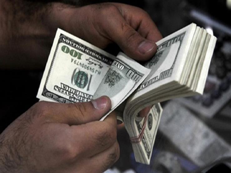 استقرار الدولار في 8 بنوك خلال تعاملات الصباح