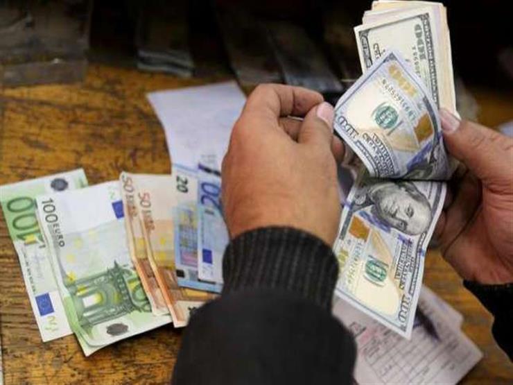 930 مليون دولار زيادة في تحويلات المصريين منذ التعويم وحتى أبريل