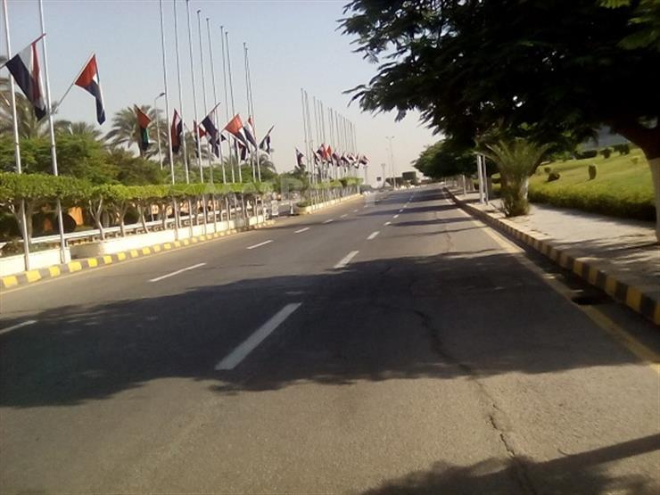 مطار القاهرة يتزين بأعلام الإمارات ومصر لاستقبال محمد بن راشد آل مكتوم