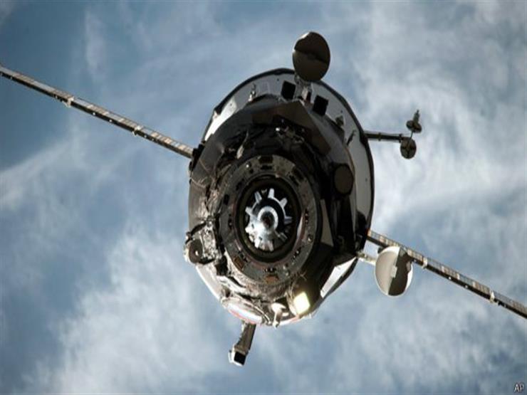 """رائدا فضاء فرنسي وروسي يعودان الى الارض على متن المركبة """"سويوز"""""""