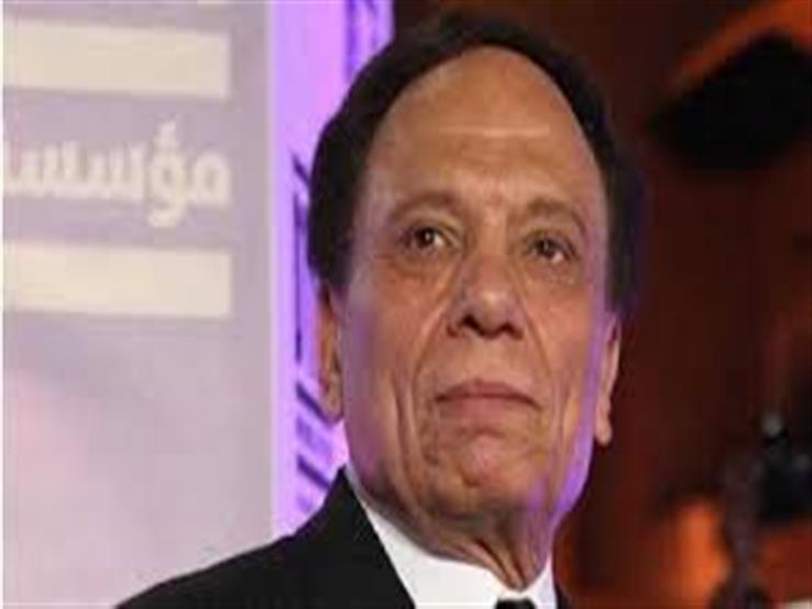 """طارق الشناوي ينتقد عادل إمام: """"لا يعطي الجمهور مقدار ما يأخذ من الحب"""""""