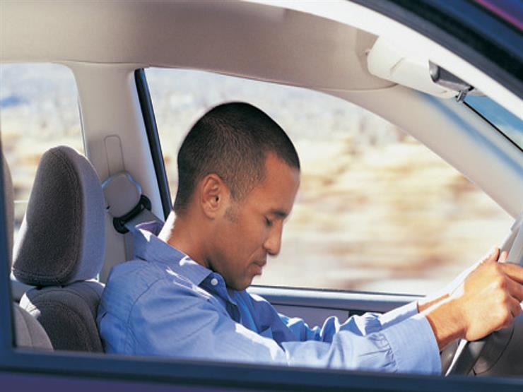 كيف تتغلب على النعاس أثناء القيادة؟