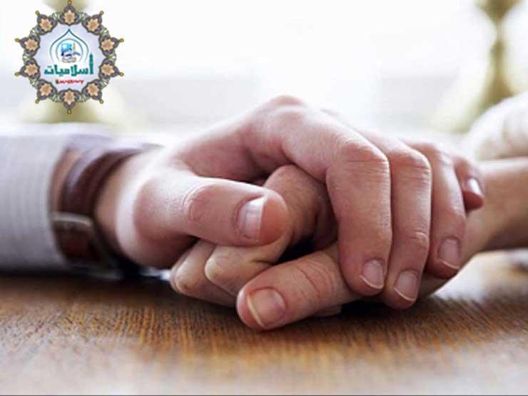 حكم من داعب زوجته وحدث إنزال بلا جماع في نهار رمضان