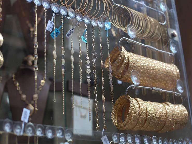 الذهب يرتفع جنيهين بعد صعوده عالميا