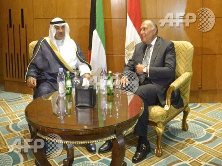 العرب اليوم: اشتباكات عنيفة باليمن وانكماش داعش في الرقة