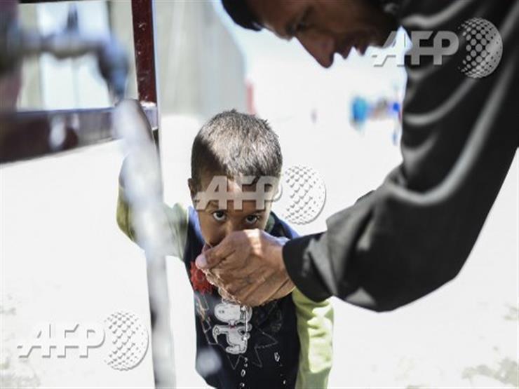 صورة وخبر: سوريا.. شربة ماء في مخيم لجوء